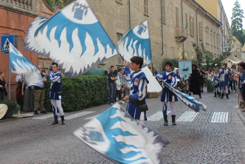 Flag throwers performed at the Seige of Canelli