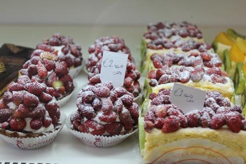 Crostatine di Fragola-Strawberry tarts at Pasticceria Cappello, Palermo