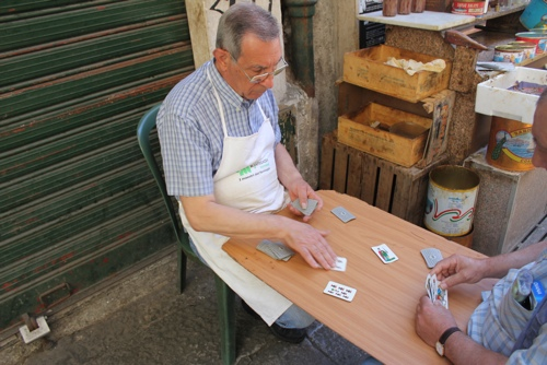 Playing the Italian card game Scopa in Palermo