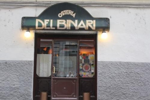 Entrance to Osteria del Binari in Milan
