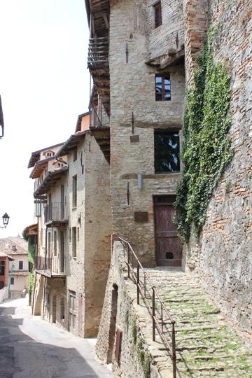 Le Casa de Saracca in Monforte d'Alba