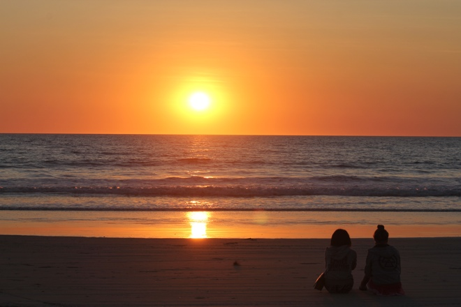 find most people return to Cable Beach to watch the amazing sunsetsSunsets On The Beach With People