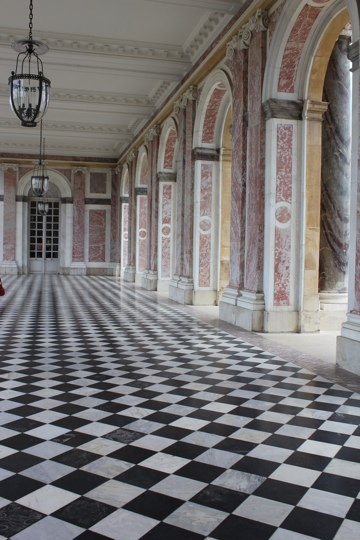 Colonnaded walkway at the Grand Trianon