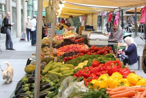 Rue du Marché St-Honoré market